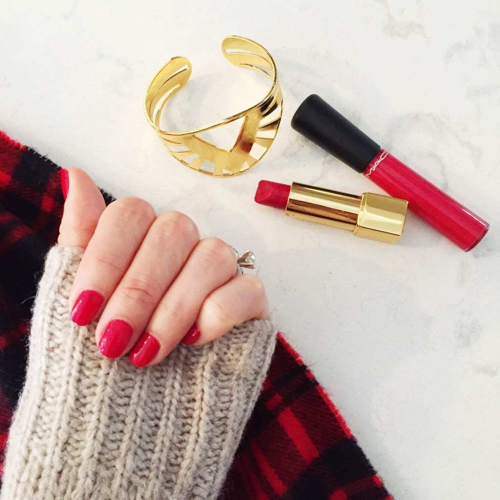 red and gold, itsy bitsy indulgences