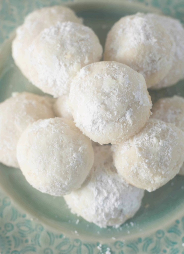 Lemon Meltaway Cookies - The Itsy-Bitsy Kitchen