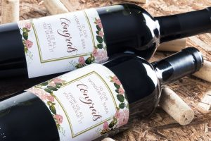 Personalised wine label for saying Congratulations