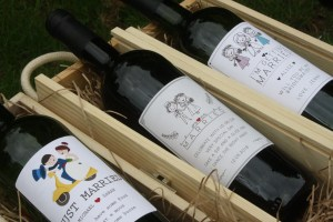 cartoon themed personalised wedding wine gifts