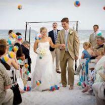 weddinggawker com beach balls