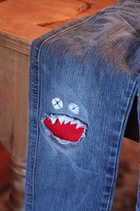 knee patch monster 001
