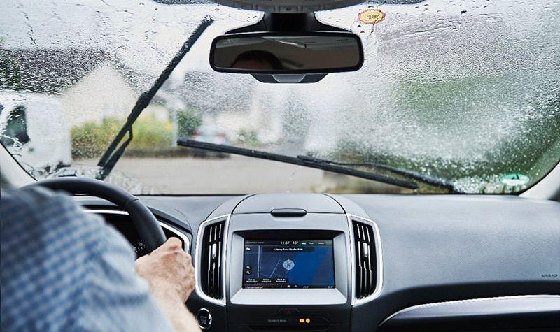 conducir-bajo-lluvia-torrencial-ford-itusers