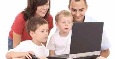 La-mamá-moderna-protege-a-sus-hijos-del-Internet