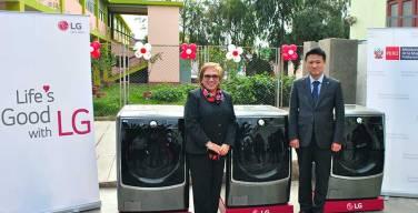 LG-realiza-donación-de-lavadoras-a-INABIF