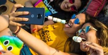Motorola-lanza-en-Perú-campaña-Phone-Life-Balance