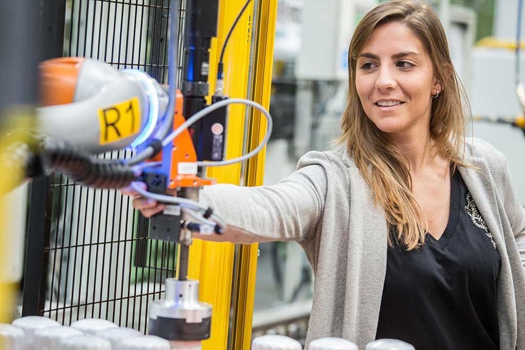 La-ingeniera-en-robótica-más-joven-de-Ford-es-española