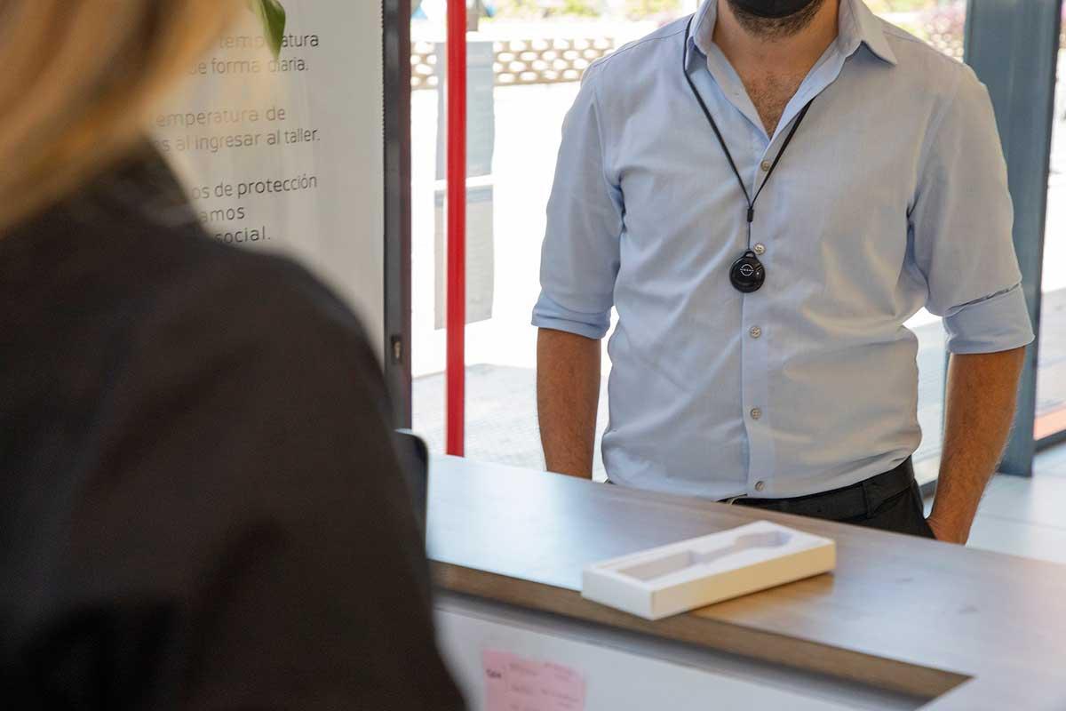 nissan-lanza-nuevo-dispositivo-de-distanciamiento-fisico-que-brinda-seguridad-a-los-clientes