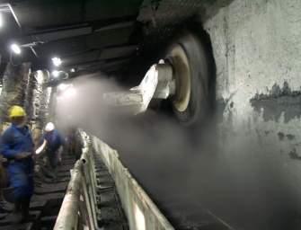 Důl v Kanadě sází na gastarbeitry