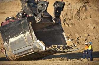 Stroj vs. člověk (Důl Curragh v Austrálii)