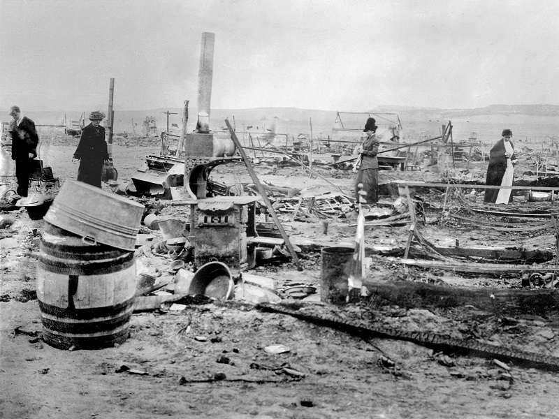 Ruiny Ludlowské kolonie po útoku národní gardy