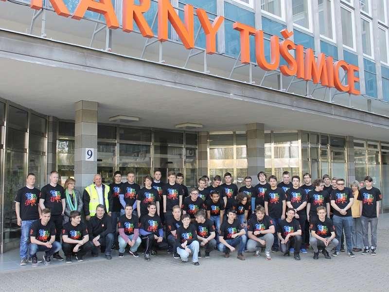 Společné foto všech účastníků energetické maturity v Elektrárně Tušimice. Foto: ČEZ