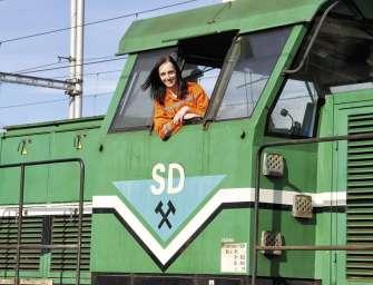 Ženy na kolejích: Adéla Fousová strojvedoucí vlaků