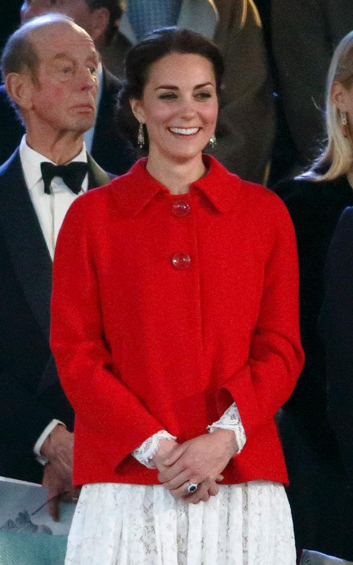 98064948_Windsor_-_150516_Catherine_Duchess_of_Cambridge_attend_the_final_night_of_The_Queen_90th-xlarge_trans++efrSPQKeBG6J8vzQwTIE-Yvc48UEJkbnSlKsI1sbUAg