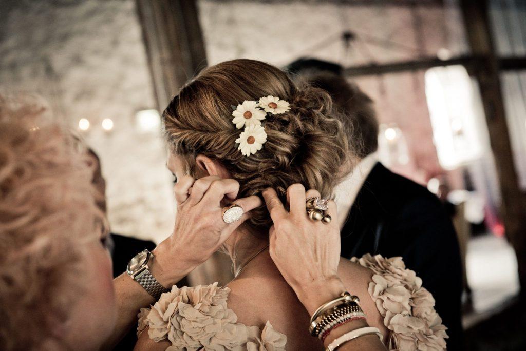 Cocul de nuntă poate fi şi accesorizat