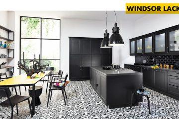 Bucătărie în alb și negru