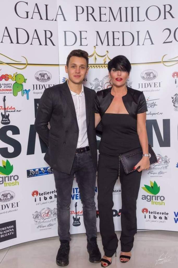 Patrizia Paglieri si fiul ei, la Premiile Radar de Media 2018