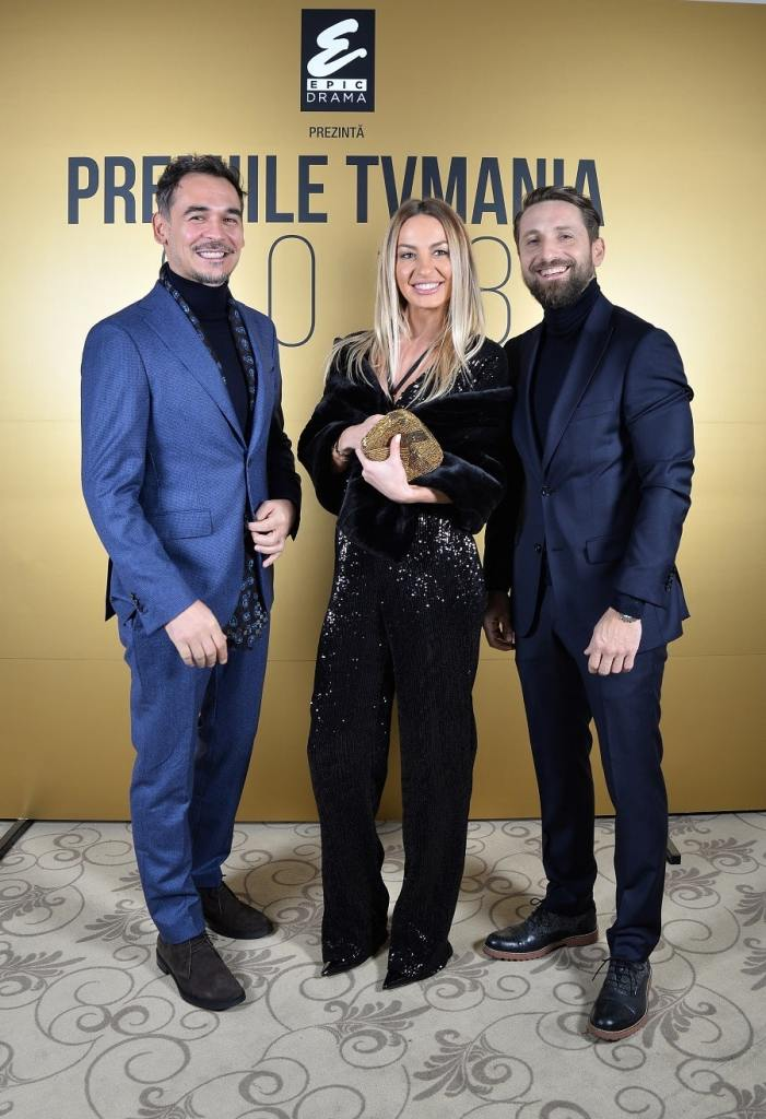 Răzvan Simion, Flavia Mihășan și Dani Oțil, premiați la TV Mania
