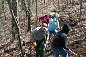 Alternative Spring Break 2013: Students visited Cumberland Gap National Historical Park in Tennessee to work on trail maintenance and restoration. The trip was led by two students living at River Crossing. (Photo via Office of Student Life)