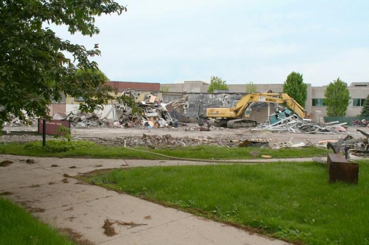 Greenlawn_demolition_roeder_12
