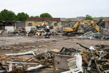 Greenlawn_demolition_roeder_16