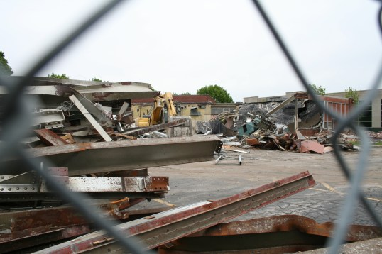 Greenlawn_demolition_roeder_21