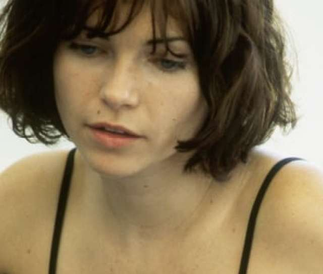 Picture Of Nicole De Boer