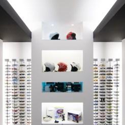 Diseño tienda de complementos en Ponferrada. Expositores de gafas