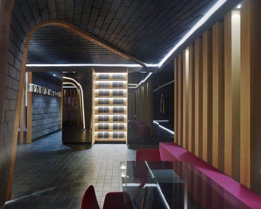 Exposición de materiales oculta en Showroom experiencial de Cupa Pizarras en Galicia