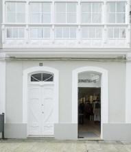 Entrada tienda en diseño interior de tienda de moda de mujer Jonathans