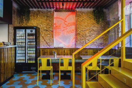Mesas bajas en Diseño restaurante mexicano Tabaxco en Madrid