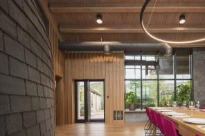 Entrada y exteriores Interiorismo Estratégico en comedor para clientes de CUPA Pizarras