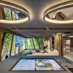 Mesa de control domótico en Diseño de oficinas Sutega LAB