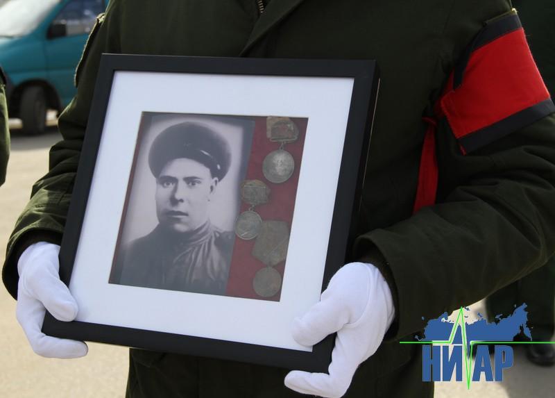 «Самое главное – мы должны помнить наших героев». Останки солдат, погибших в Эстонии, передали в Россию (фото и видео)