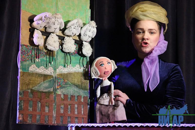 Зрелищную постановку подарил юным ивангородцам «Театр волшебных кукол» (фото)