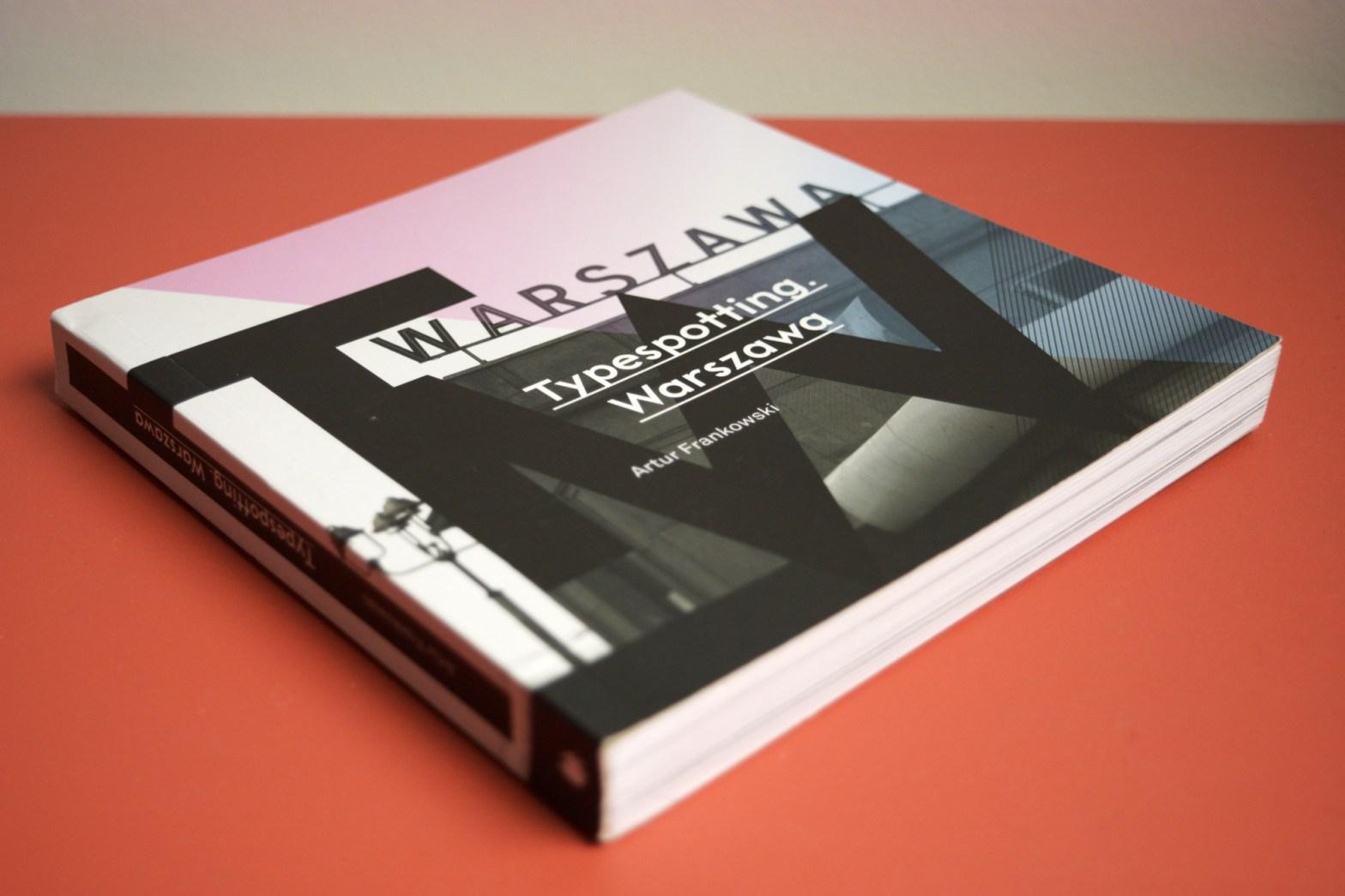"capa do livro ""Typespotting. Warszawa"""