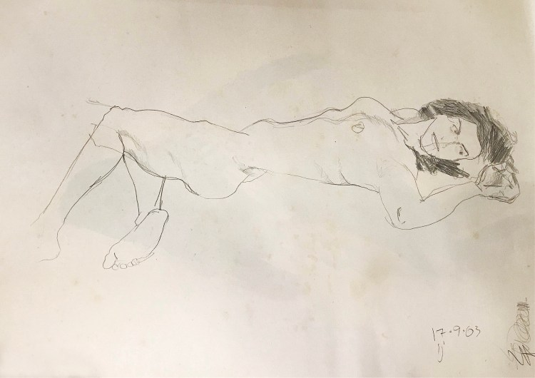 Desenho a grafite de uma mulher deitada