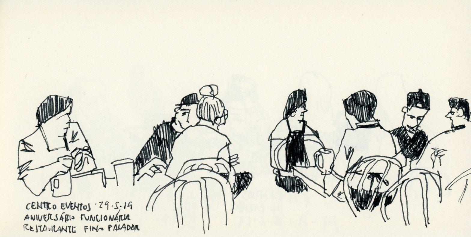 Desenho horizontal com várias pessoas sentadas em duas mesas