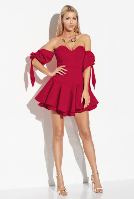 modele-rochii-rosii-scurte-superbe-cu-umerii-goi