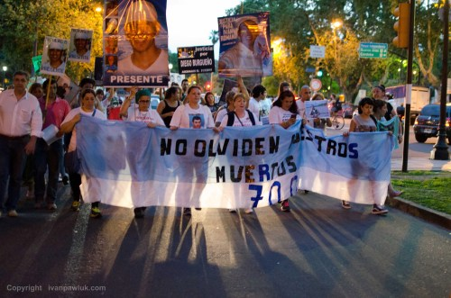 #MARCHA POR LA #INSEGURIDAD Dolor y un claro pedido de #Justicia, victimas de la violencia en #Rosario