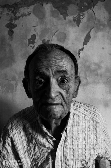 Felipe 76 años, inmigrante embarca en Nápole Italia después de 20 días de viaje en barco desembarca en Argentina junto a su familia en busca de un futuro mejor, trabajador ferroviario