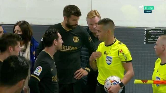 Messi Koeman quây trọng tài