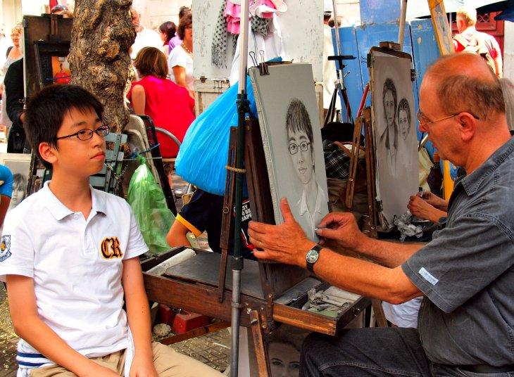 Chinese toerist in Parijs. Foto Zoetnet via Flickr. CC BY 2.0