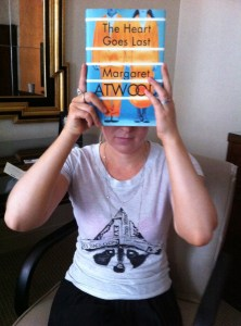See what I did here? Mimicking the cover? Pretty genius right? Just like Peggy herself.