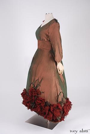 Carolyn Hennesy profile emmy dress 2018 floral hemline by Ivey Abitz