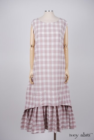 Blanchefleur Frock in Rose Crushed Plaid Weave – Size Large 1