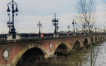 bordeaux ponte di pietra