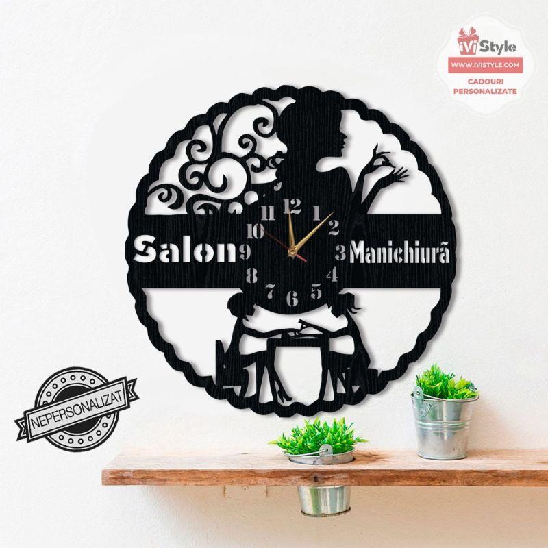 ceas-manichiura-nail-salon