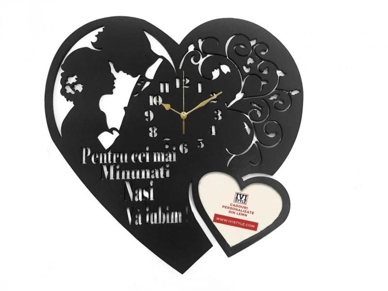 ceas-pentru-nasi-personalizat-inima