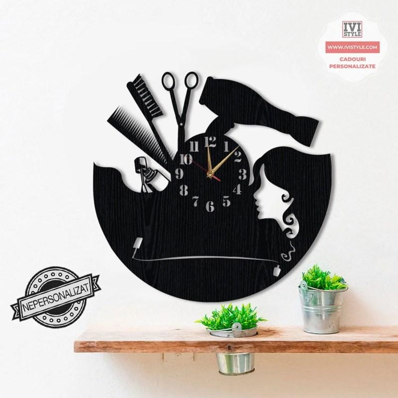 Ceas Coafor + Manichiura Personalizat din Lemn
